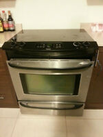 Kenmore smooth top slide in stove.