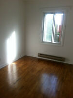 New Renovated 51/2 in St.Laurent for Rent(Available Immediately)