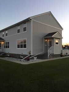 Springbrook Condo/townhouse for rent..Oct Free!