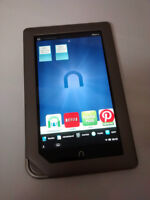 Barnes & Noble NOOK Tablet / E-Reader (Model BNTV250)