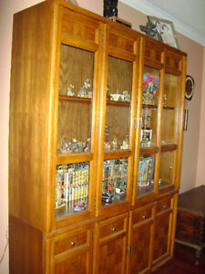 Beautiful Vintage Oak Parquet Hutch/China Cabinet - Great Shape