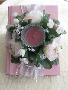 CLASSY OLD-FASHIONED SCENTED CANDLE ARRANGEMENT