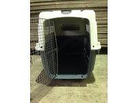 LARGE PET CARRIER.BRAND NEW