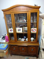 OBO China Display cabinet with Crystal Included