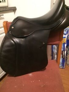 Excellent condition English saddle