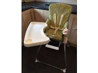Foldable highchair by mamas & papas