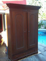 Travelling Armoire