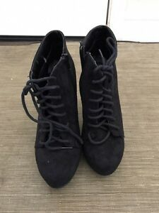 Sirens boots