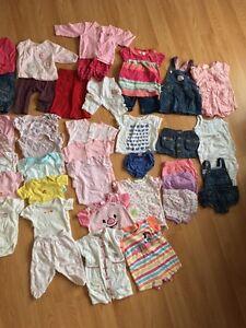 Lot de vêtement 2-4 mois et 3 mois/ baby clothes 2-4m and 3 m West Island Greater Montréal image 1