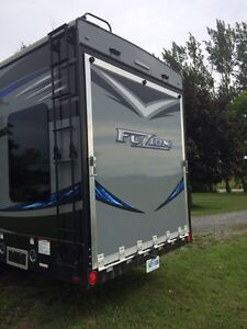 2016 keystone Fuzion 325 toy hauler  Kingston Kingston Area image 3