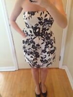 Beautiful Floral Le Chateau Dress Size Small
