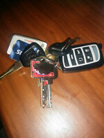 BUNCH OF LOST KEYS ... PLS CLES PERDUES