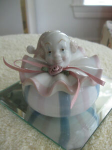"CHARMING LITTLE VINTAGE ""CLOWN"" GEM BOX for your NIGHT STAND"