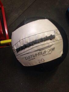 Dynamax med ball 20lbs