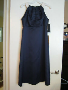 Alfred Sung Bridesmaid Dress, Midnight Blue, Size 6 London Ontario image 1