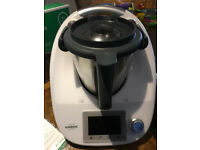 Near New!! TM5 Thermomix with Cookbooks and Carry bag
