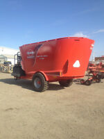 Kuhn Knight VT168 Vertical Feed Mixer - Book your on farm demo!