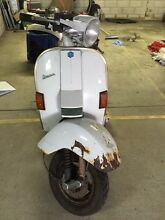 Vespa PX200 frame (no engine) Narrabeen Manly Area Preview