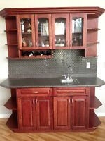 Bar/china cabinet/cupboard