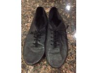 Performing arts shoes size 5 only worn for a couple of months