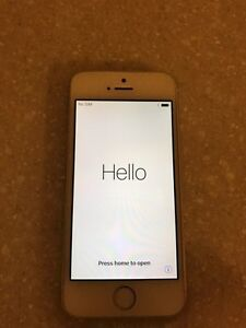 SELLING IPHONE 5S - 32GB