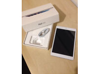 iPad mini 16gb boxed with lightning cable