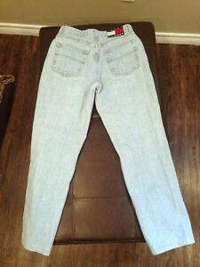 Vintage Tommy Hilfiger mom jeans  London Ontario image 3