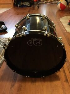 "DW HVX 22"" Maple Bass Drum Kingston Kingston Area image 1"