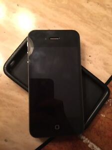IPhone 4s black 8g with fido
