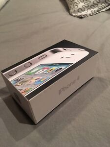 Iphone 4 (TELUS) à vendre avec protecteurs Gatineau Ottawa / Gatineau Area image 2