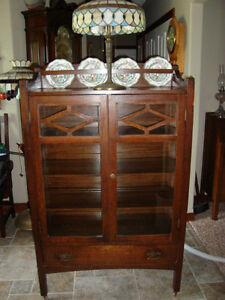 RARE ORIGINAL CIRCA 1910 MISSION OAK CHINA CABINET