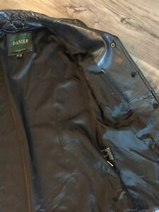 Women's Danier leather coat size 6 Kingston Kingston Area image 4