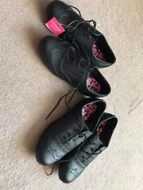 Girls school shoes - NEW