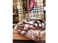 ♥️Authentic BURBERRY Silk scarf!♥️