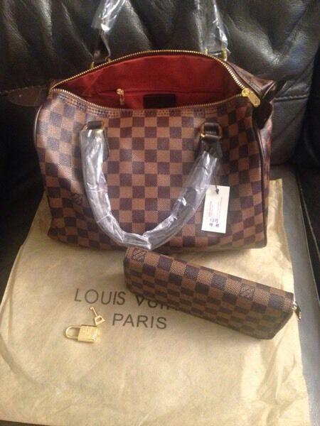 LV bag size speedy30