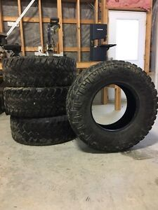 Nitto Trail grapplers 35x12.5x17