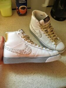 Like New Womens Nike high tops