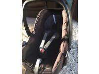 Maxi-cosi Pebble infant seat with rain cover