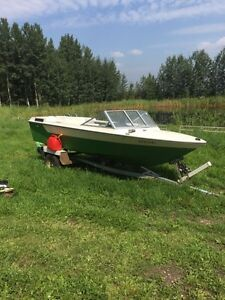 1976 Starcraft inboard with all the necessities!