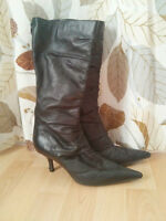 Nine West Boots (Black leather) - Size 8