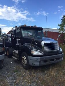 Freightliner columbia  2005 pour pieces