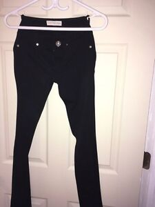 Brand New (no tag) Guess stretchy pant black Kitchener / Waterloo Kitchener Area image 1