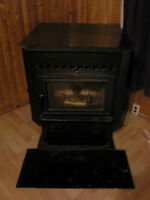 MAGNUM COUNTRYSIDE  WOOD OR CORN PELLETSTOVE