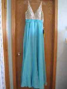 Brand New With Tags Grad/Prom/Formal Dress size 8 Strathcona County Edmonton Area image 4