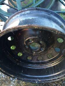 1 only- 17 inch Kia rim.  Kawartha Lakes Peterborough Area image 4