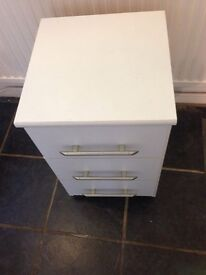 3 drawer small chest drawers