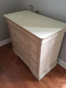 Beautiful Patina Dresser / Side table / Night Stand