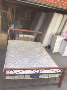 Nice metal / sooden queen size bed + mattress , can delivery at e Box Hill North Whitehorse Area Preview