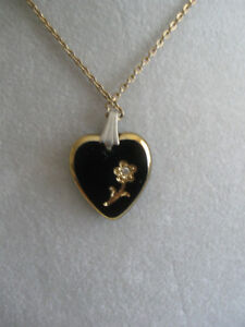 ADORABLE VINTAGE HEART-SHAPED PENDANT NECKLACE