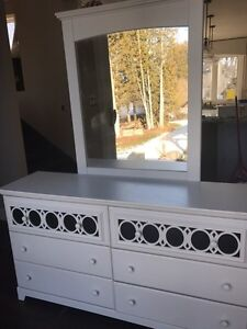 Great dresser set